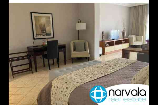 estudio-fishing-lodge-cap-cana-dormitorio-escritorio